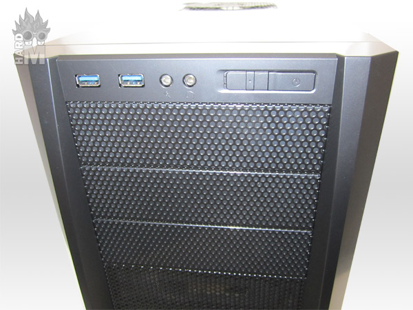 antec_three_hundred_two_frontal_exterior_detalle