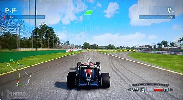 Monitor-Philips-Gamer-SmartContrast-activado-en-juego-F1-en-modo-carreras
