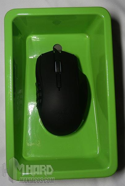 Razer-Naga-raton-en-plastico-verde
