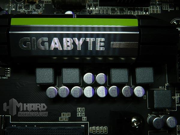 Placa-Base-Gigabyte-disipador-cerca-de-socket