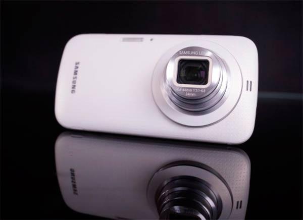 Samsung-Galaxy-K-zoom-diseno-3