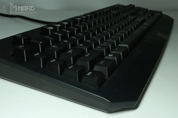 Razer-BlackWidow-Ultimate-Chroma-14