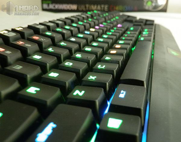 Razer-BlackWidow-Ultimate-Chroma-37