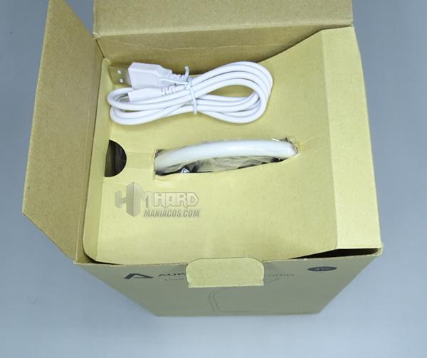 lámpara de escritorio portátil RGB Aukey 3