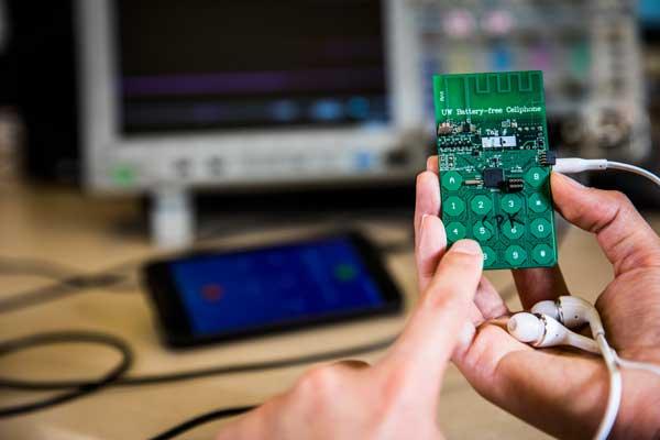 El primer prototipo de móvil que funciona sin batería