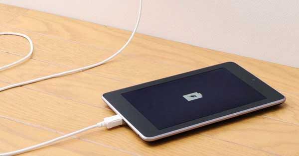 Un electrodo que permite cargar el móvil en segundos