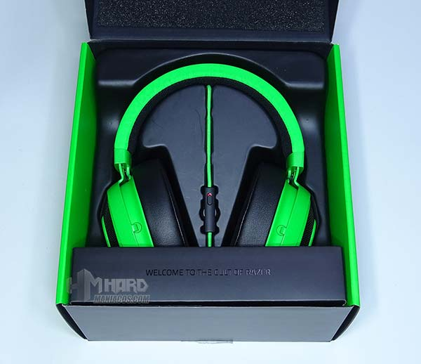 auriculares Razer Kraken Pro V2 en caja