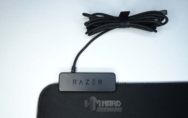 controladora y cable alfombrilla Razer Goliathus Chroma