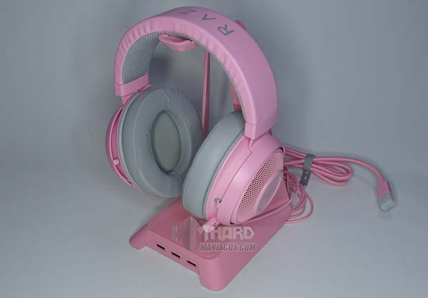 soporte cascos rosa con auriculares gaming rosas Razer