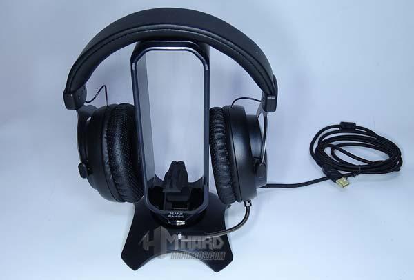 soporte MHHPRo con auriculares Mars Gaming