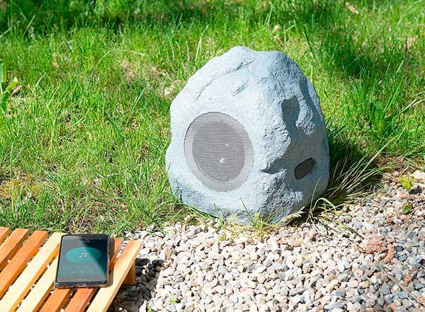 altavoz piedra Auviso exterior