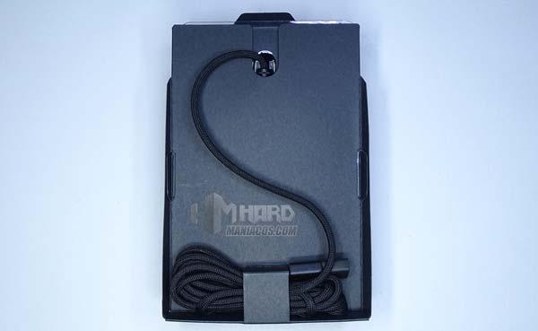 Razer DeathAdder V2, cable en caja
