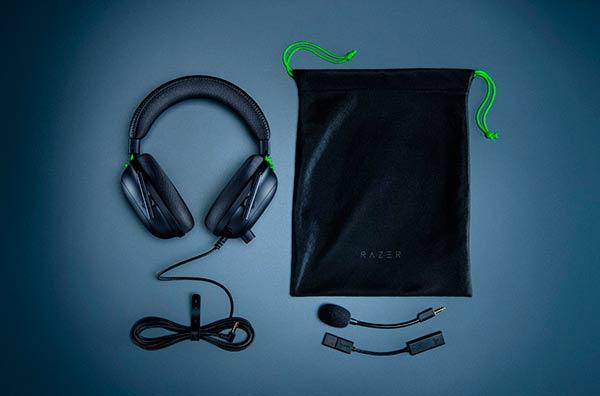 auriculares Razer Blackshark V2 y accesorios