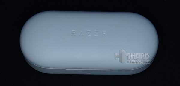 estuche cargador Razer Hammerhead True Wireless Earbuds Mercury cerrado