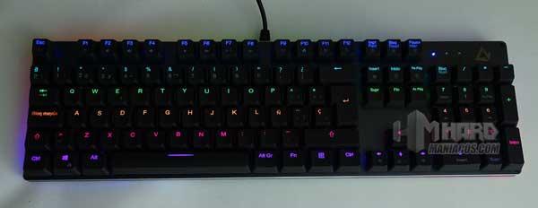 teclado Aukey KM-G12 iluminado varios colores por filas