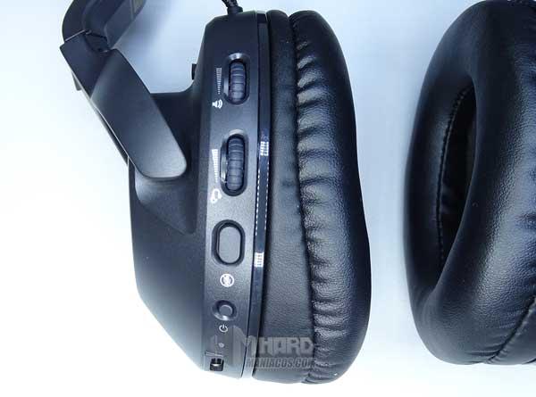 botones controles auriculares Roccat Elo 7.1 Air