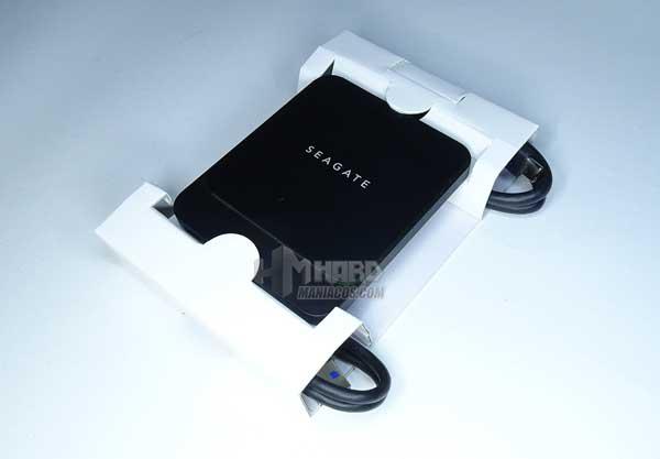 SSD Seagate BarraCuda Fast y cables