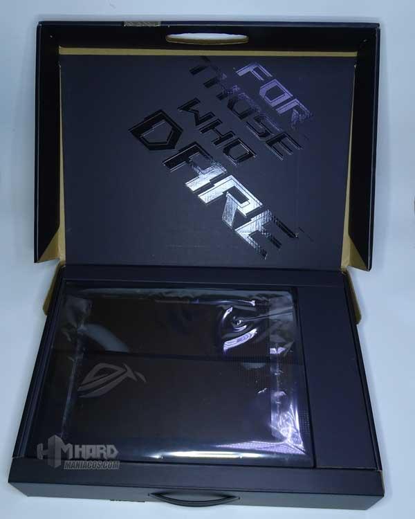 caja abierta ROG Strix SCAR 15 G533